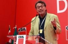 """Giorgio Cremaschi """"Renzi e il sistema di potere che lo ha messo lì e che oggi lo sostiene sono ingenerosi. Grazie alla collaborazione o non opposizione dei grandi sindacati abbiamo avuto la caduta dei salari, la precarizzazione di massa per legge, il peggioramento delle condizioni di lavoro, un sistema pensionistico che è tra i più feroci ed iniqui di Europa"""""""