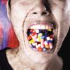 Gli effetti del potere dell'industria farmaceutica per la salute mentale delle donne. Gli effetti del potere dell'industria farmaceutica per la salute mentale delle donne. Il sistema medico occidentale è fortemente influenzato dagli interessi commerciali delle case farmaceutiche, che spendono molto del loro denaro sia per la ricerca della malattia che per il suo trattamento farmacologico