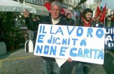 La realtà oltre l'elemosina degli 80 euro di Renzi. Disoccupazione, dati esplosivi. Usb: aumentano anche senza lavoro 'cronici'