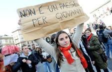 """Il jobs act è illegale, oltre che ingiusto. Giuristi democratici e sindacato Usb denunciano il pacchetto lavoro di Renzi. E stavolta è l'Europa che ce lo chiede. Associazione Nazionale Giuristi Democratici – ROMA, MARTEDÌ 8 APRILE, ORE 15,30 FONDAZIONE BASSO, VIA DELLA DOGANA VECCHIA, 5 + PRECARIETÀ – FORMAZIONE = JOBS ACT """"CE LO CHIEDE L'EUROPA? NO!"""""""