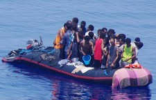 L'ennesima strage nel Mediterraneo non impressiona più nessuno. Italiani troppo presi per la tragicommedia dei Renzi e Grillo, intermezzate dall'oblio dei mondiali di calcio, per provare un pò di vergogna italica?