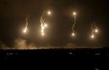 Gaza. L'inferno a Shaihaye: decine di morti palestinesi, numerosi soldati isrealiani uccisi. > Abbiamo riportato a parte le notizie di agenzia da Gaza e dintorni. Qui ripubblichiamo gli aggiornamenti da Nena News, diretta da Michele Giorgio, probabilmente l'unico giornalista occidentale in questo momento presente a Gaza e a cui va il nostro abbraccio.