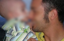 L'Ilva fa un altro morto: il piccolo Lorenzo non ce l'ha fatta. Il piccolo lottava contro un tumore al cervello diagnosticato a tre mesi di età. L'annuncio è stato fatto dal papà.