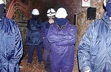"""""""Noi non abbiamo paura"""". Le donne occupano una miniera in Sardegna per il lavoro."""