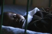 Cresce l'AIDS in Medio Oriente e Nord Africa. Bambini malati di AIDS rimasti orfani. Si stima che 17,8 milioni di bambini sono orfani a causa dell'AIDS. Di questi, circa 15 milioni vive tra Africa e Medio Oriente.