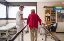 Paesi ricchi: invecchiamento seguace di austerità, e poveri infermieri europei in cerca di lavoro a poco prezzo