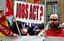 Più profitti, meno diritti. Il Jobs Act un anno dopo