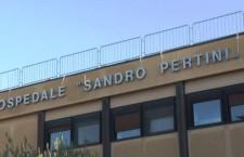 """Operaie delle pulizie in presidio permanente al """"Pertini"""" di Roma"""