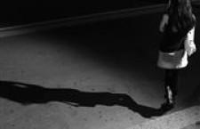 Giovanissime e costrette a prostituirsi: il dramma delle adolescenti migranti
