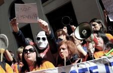 Vogliamo farli sti botti di Capodanno scendendo in piazza per i lavoratori Almaviva?