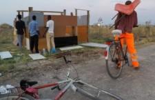 Incendi e morti nei ghetti di stato tra Puglia e Calabria, cosa succede?