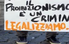 Galere piene, mafie ricchissime: proibizionismo insostenibile