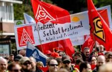 Germania, metalmeccanici in lotta per lavorare meno