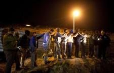 "ISRAELE. Centinaia di lavoratori palestinesi arrestati: ""PuliziaperlaPasqua"""