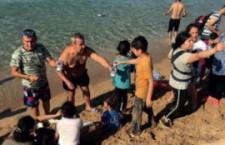 Si può disobbedire a Salvini e all'odio. 56 migranti salvati da bagnini e turisti a Isola Capo Rizzuto