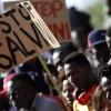 «Sveliamo gli interessi economici che si celano dietro il Decreto Sicurezza»