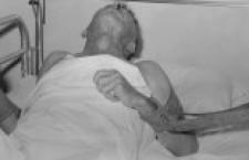 Ho visto un uomo legato al letto per otto giorni