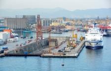 Le battaglie dei lavoratori al porto di Napoli