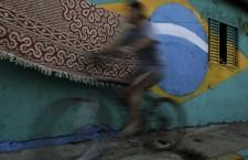 """Lo studio sulla violenza di genere nelle fabbriche di abbigliamento brasiliane fornisce un """"campanello d'allarme all'azione"""""""