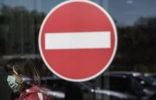 I lavoratori sui social: «Non mandateci a morire»