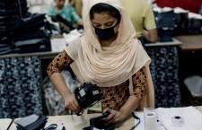 Chi salverà i lavoratori che producono i nostri vestiti?