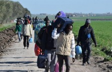 Covid, migranti e la strategia dell'emergenza permanente