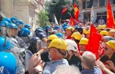 Lotte operaie a Genova