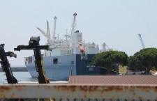 La battaglia dei portuali genovesi contro le navi della morte