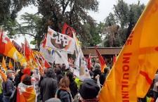 """""""Rimettere al centro i diritti"""", voci dallo sciopero generale"""
