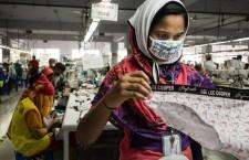 La moda di lasciare i lavoratori in mutande