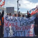 Coca Cola, usate pistole elettriche contro i lavoratori di Adl Cobas