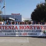 Honeywell, i corpi si arrendono (per ora), ma non gli animi