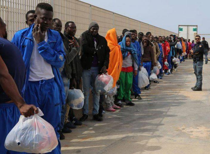rotte-dei-migranti-forzati-tra-torture-e-oltraggi_articleimage-e1513122372213
