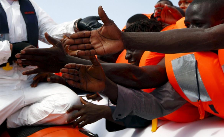 31desk2-migranti-afp