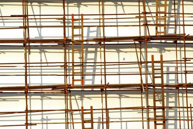 scaffolding-1889517_1920-623x417