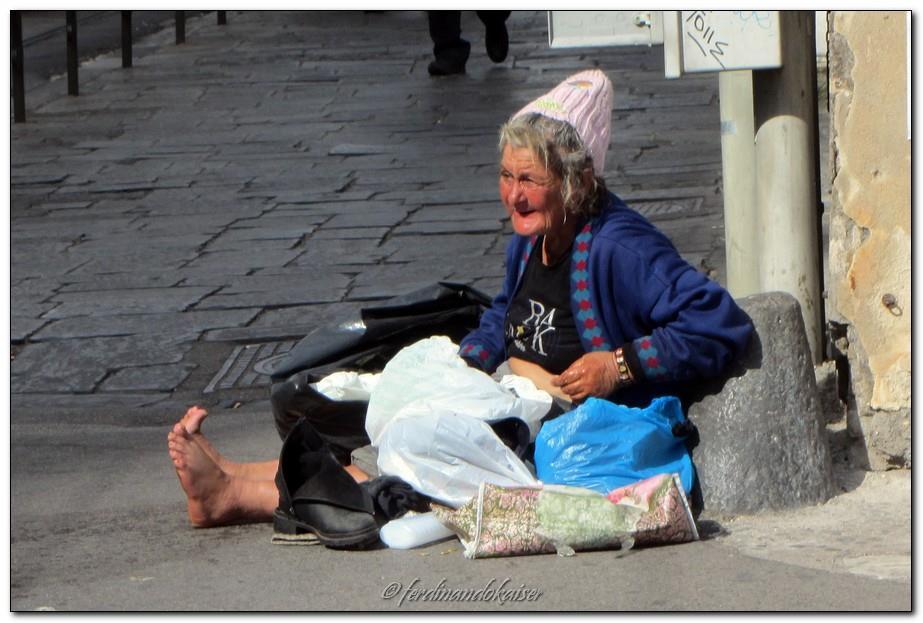 anziani povertà